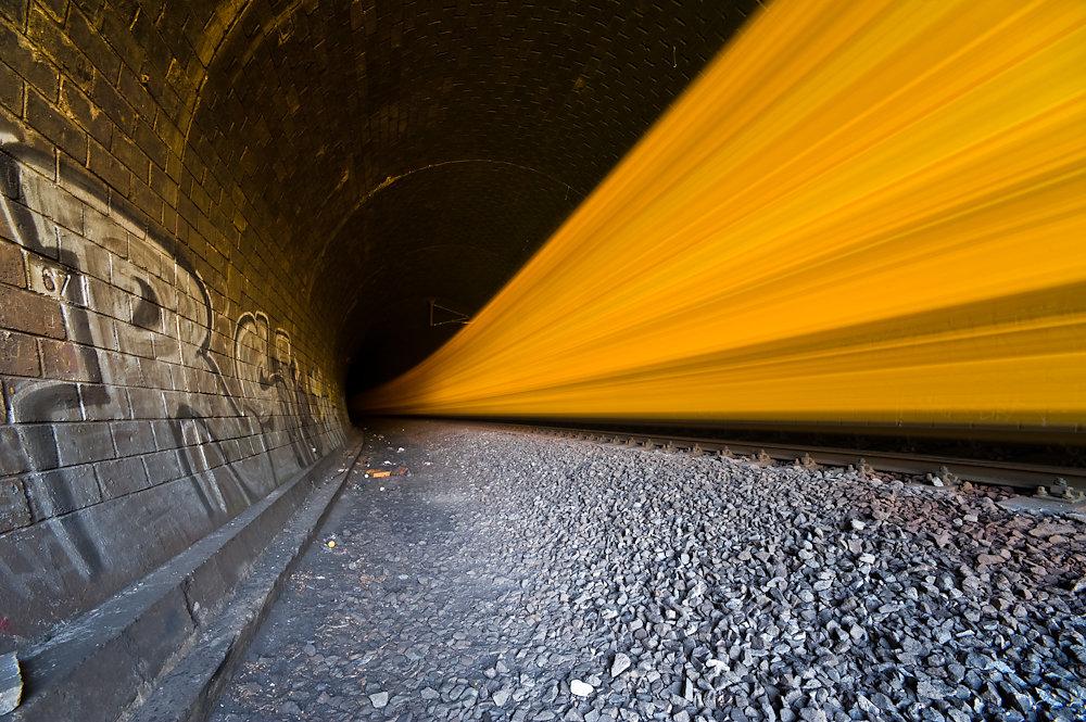 20100425220629-yup0914-yellow-train.jpg