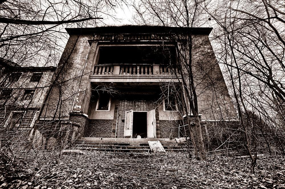Milovice Ruins 3